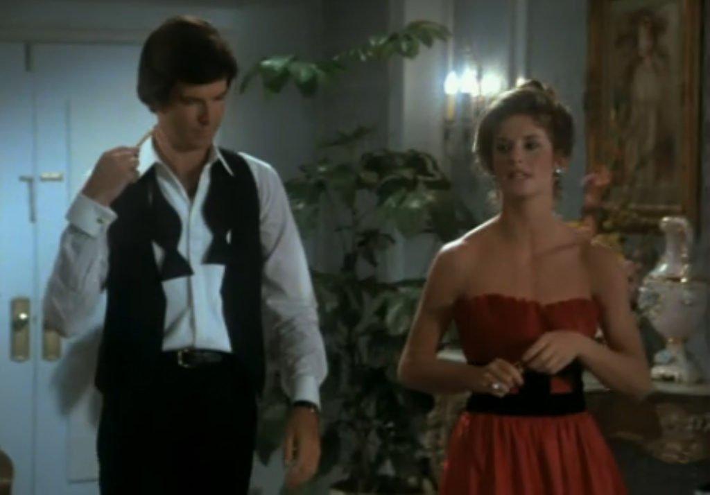 Pierce Brosnan wearing a similar dinner jacket over a decade earlier in Remington Steele
