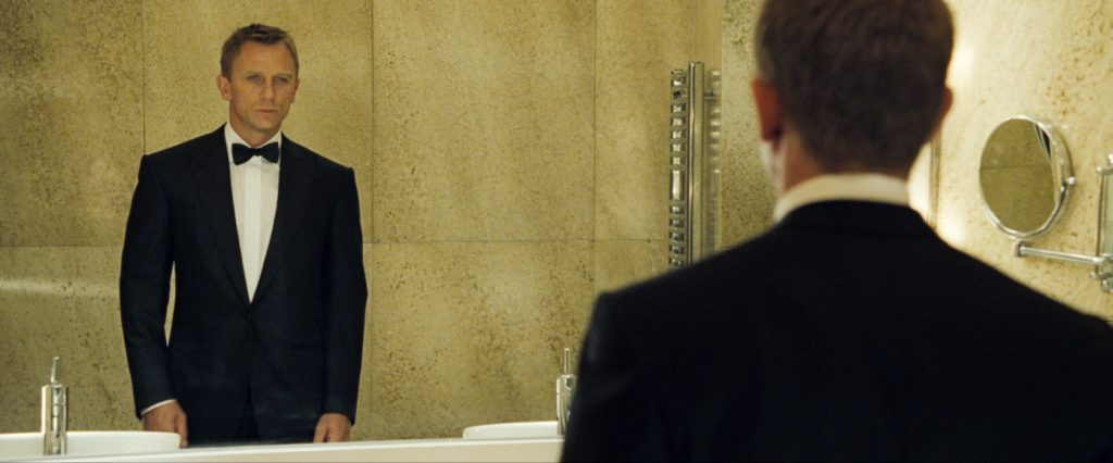 Daniel Craig wears a peaked lapel dinner jacket in Casino Royale
