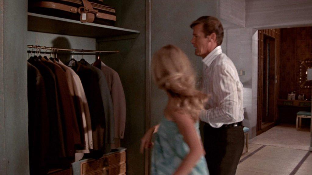 the-man-with-the-golden-gun-hotel-closet