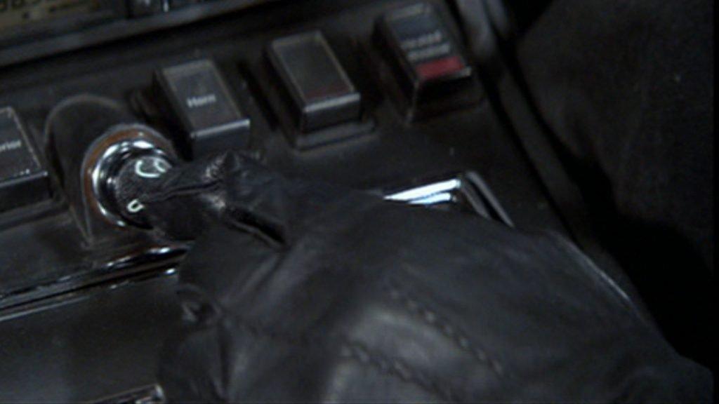 Living-Daylights-Black-Gloves
