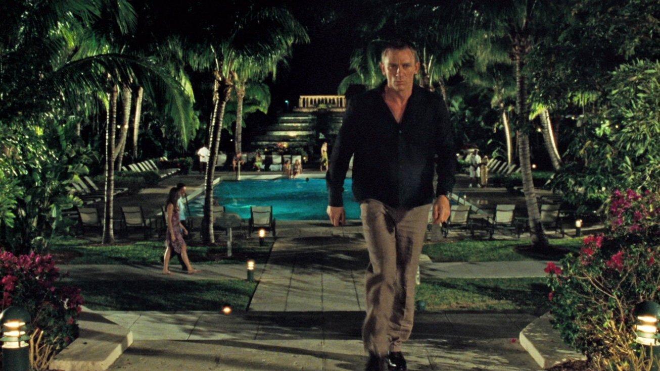 casino-royale-black-shirt-poker-ocean-club-3.jpg