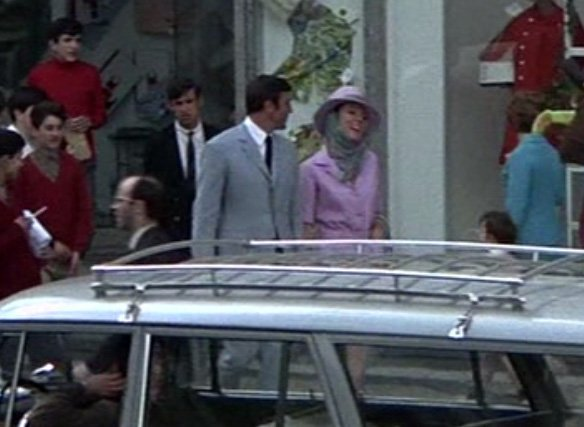 The Light Blue Suit In On Her Majesty S Secret Service The