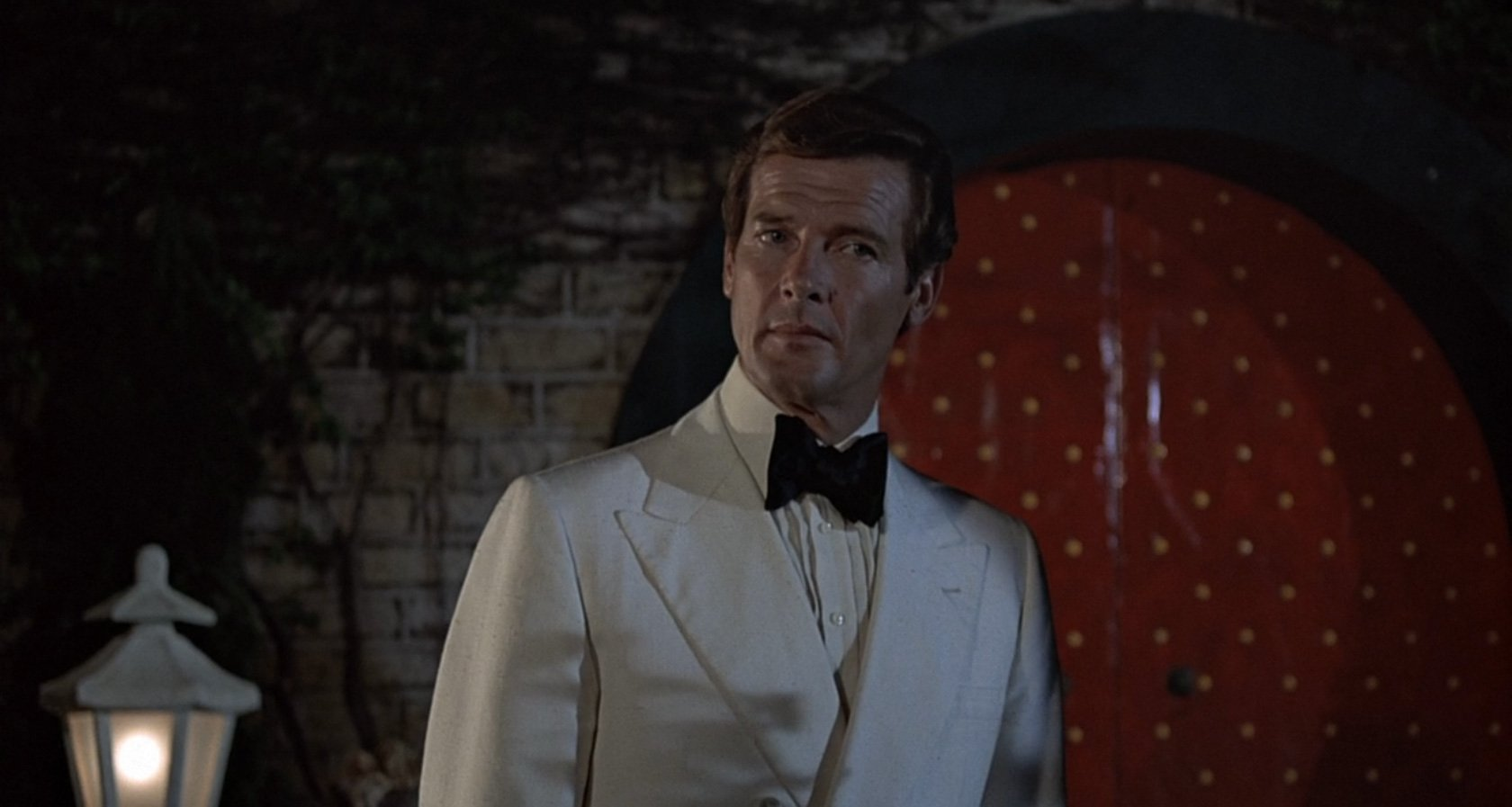 Double-Breasted Off-White Dinner Jacket in The Man with ...
