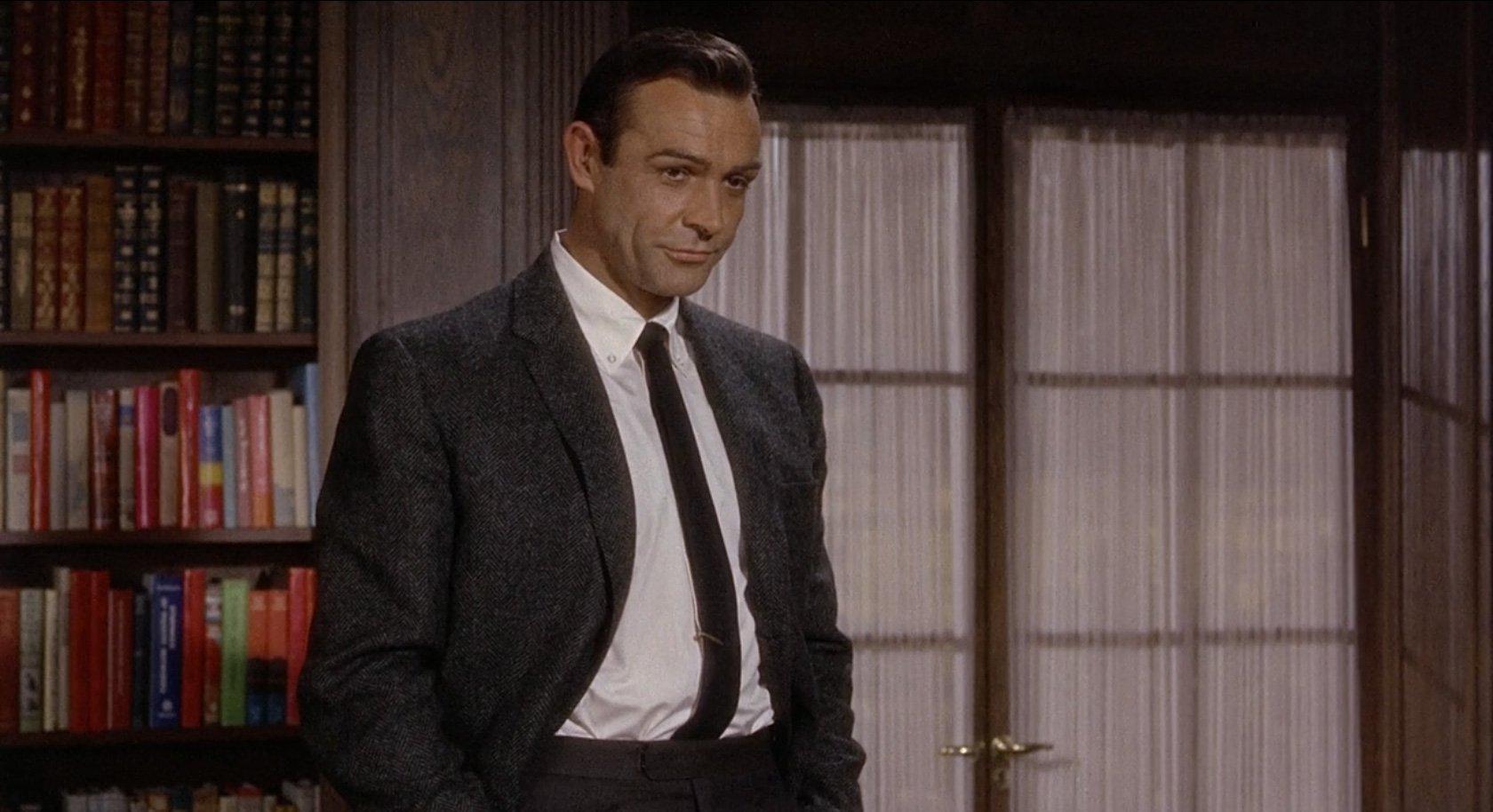 Marnie English American Style In A Herringbone Tweed Jacket Bond Suits