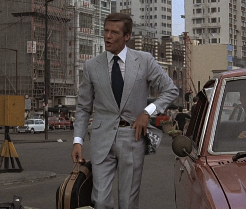 The Light Cool Grey Silk Suit – The Suits of James Bond