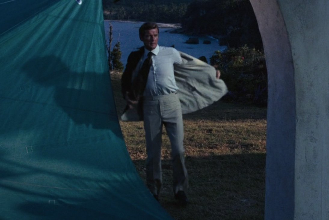 Hang Gliding in a Leisure Suit in Live and Let Die – The ...