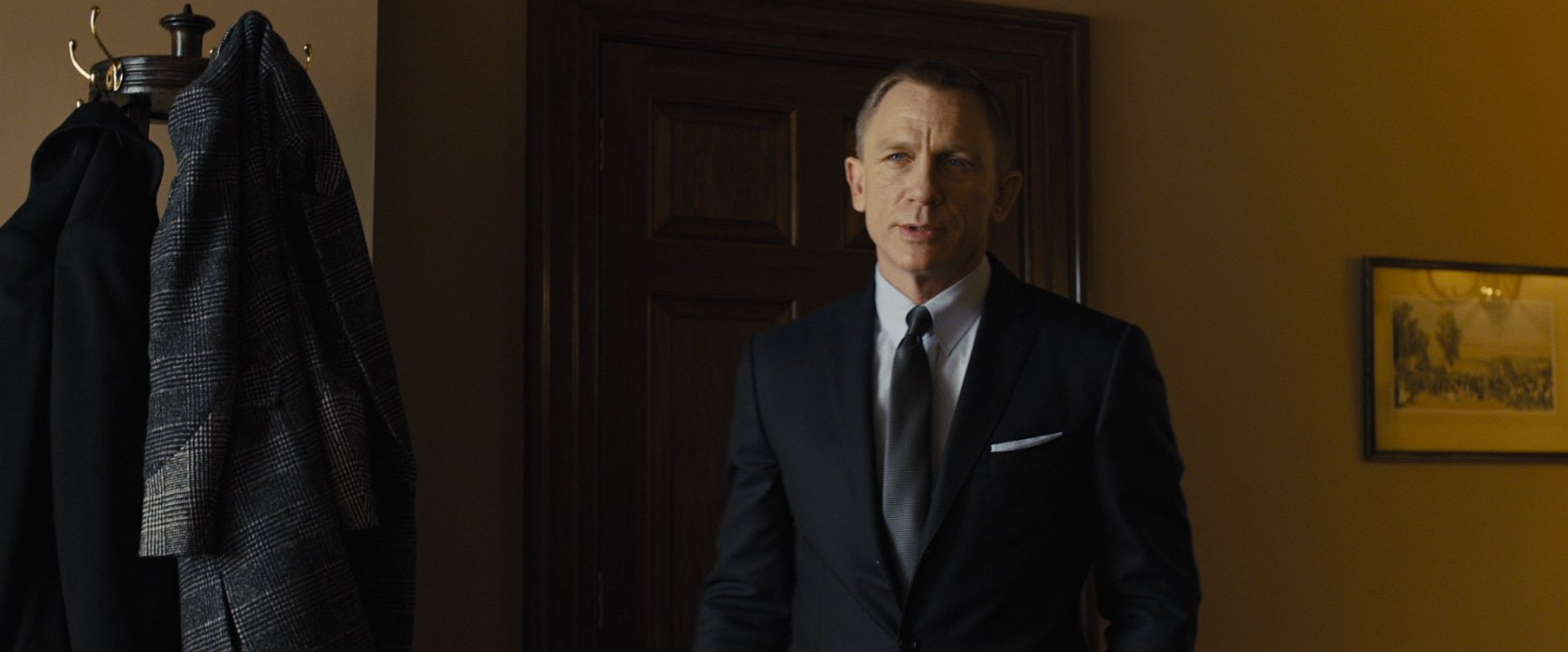 The Navy Small Herringbone Suit In Skyfall The Suits Of James Bond