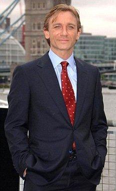 Daniel-Craig-Press-Conference