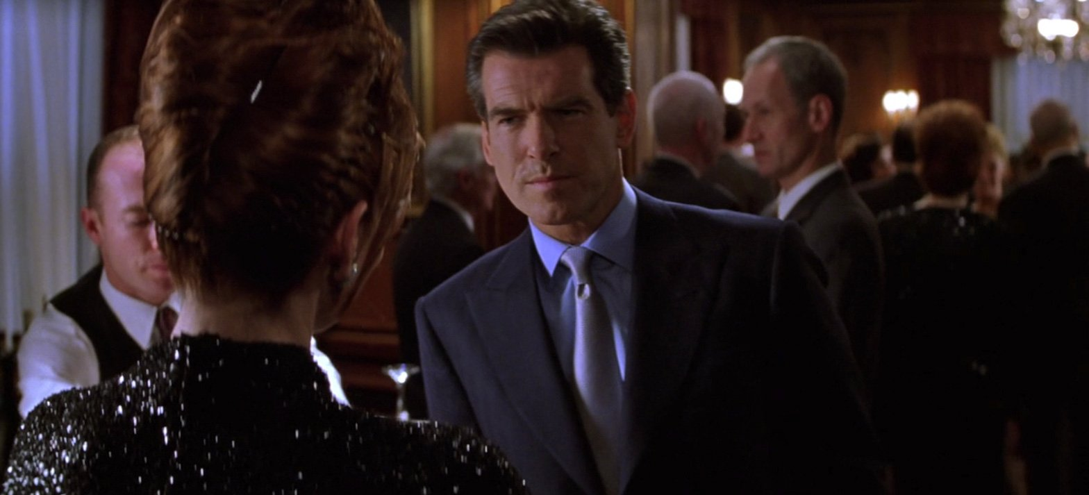 the thomas crown affair 1999 the navy peaked lapel suit the