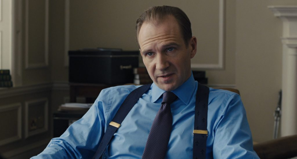 Ralph-Fiennes-Grey-Suit-Shirt-Tie