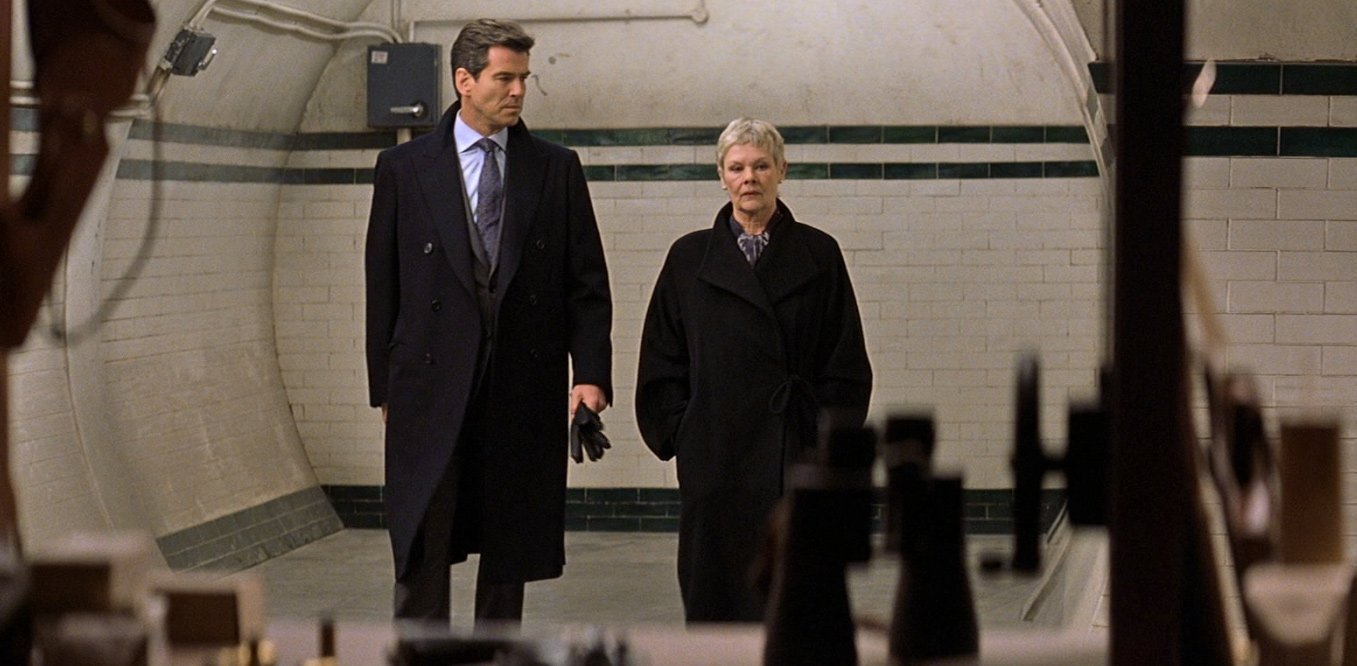 Brosnan&39s Navy Cashmere Double-Breasted Guards Coat – The Suits of