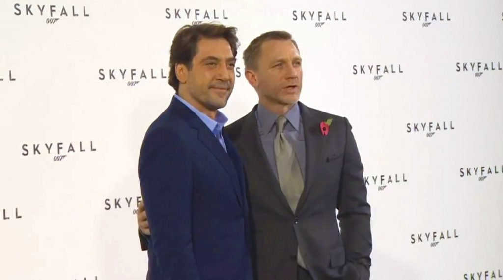 Skyfall-Press-Conference-Suit-2