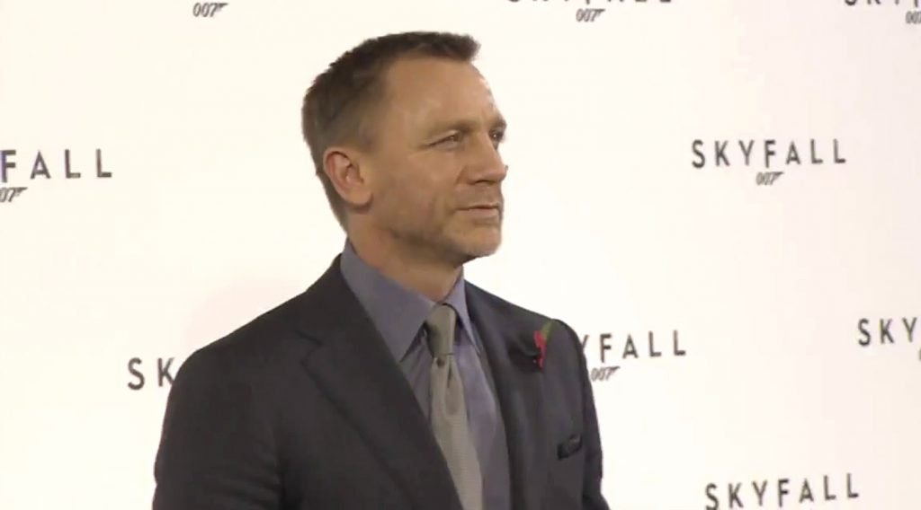 Skyfall-Press-Conference-Suit-3