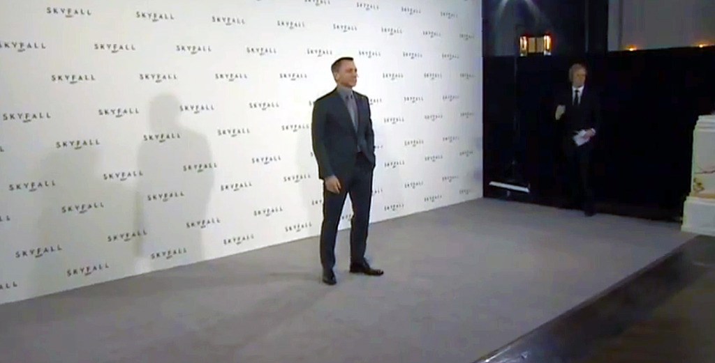Skyfall-Press-Conference-Suit-4