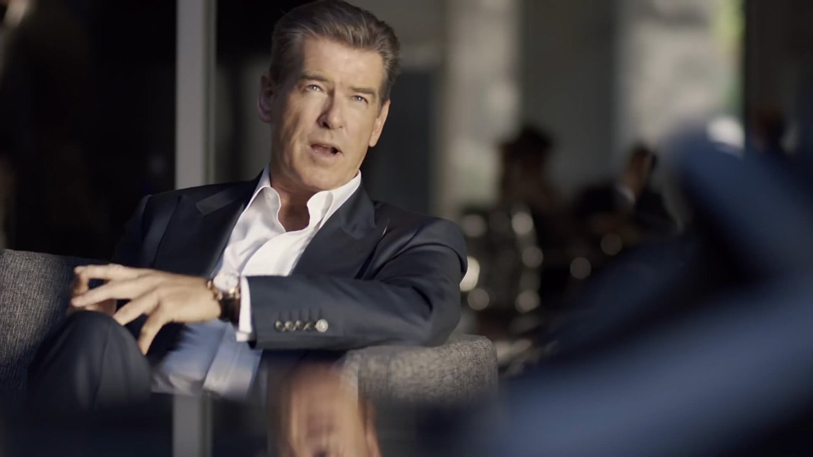 Pierce-Brosnan-Kia-Suit-2