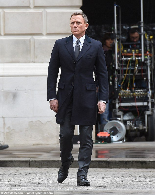 27415b786d More Spectre Filming in London – The Suits of James Bond