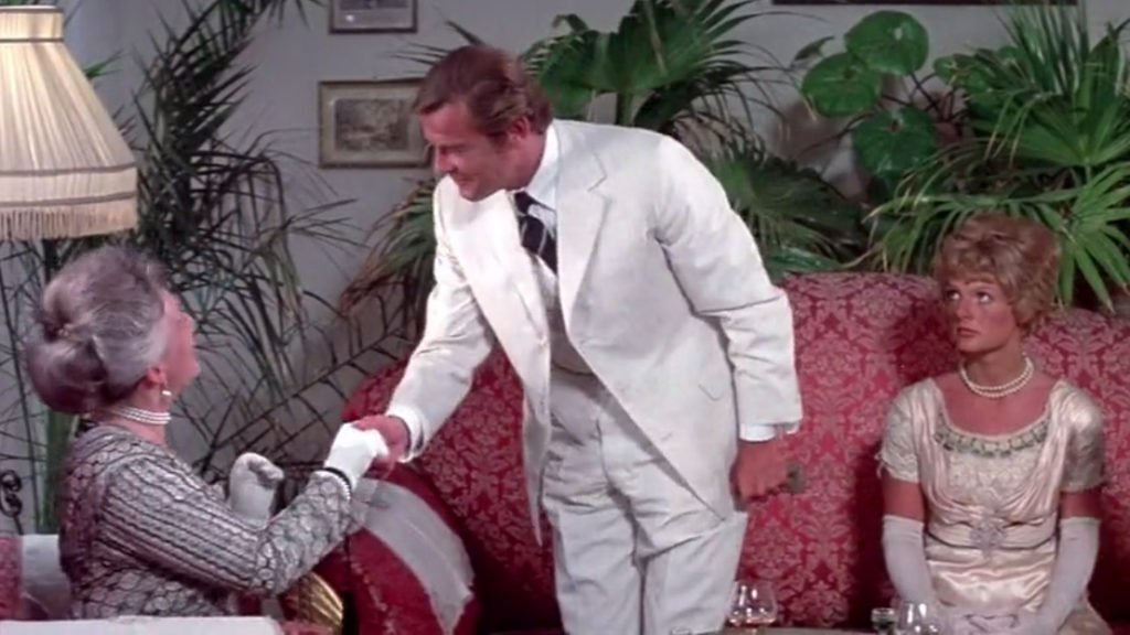 Shout-at-the-Devil-Cream-Suit-2