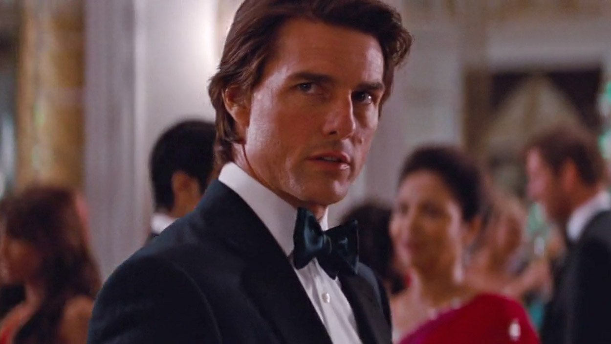 Tom Cruise's Midnight Blue Dinner Suit in Mission