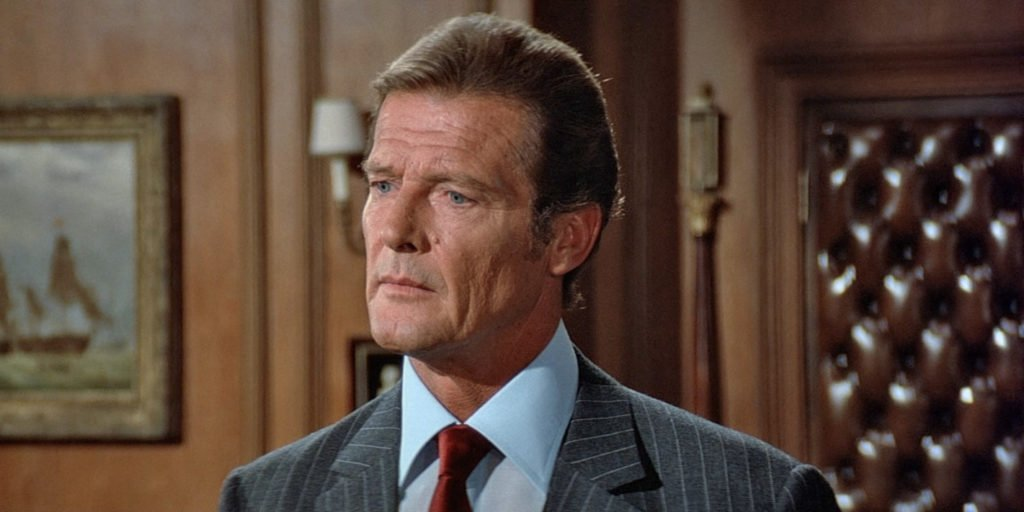 Douglas Hayward's soft shoulders with roping on Roger Moore in Octopussy