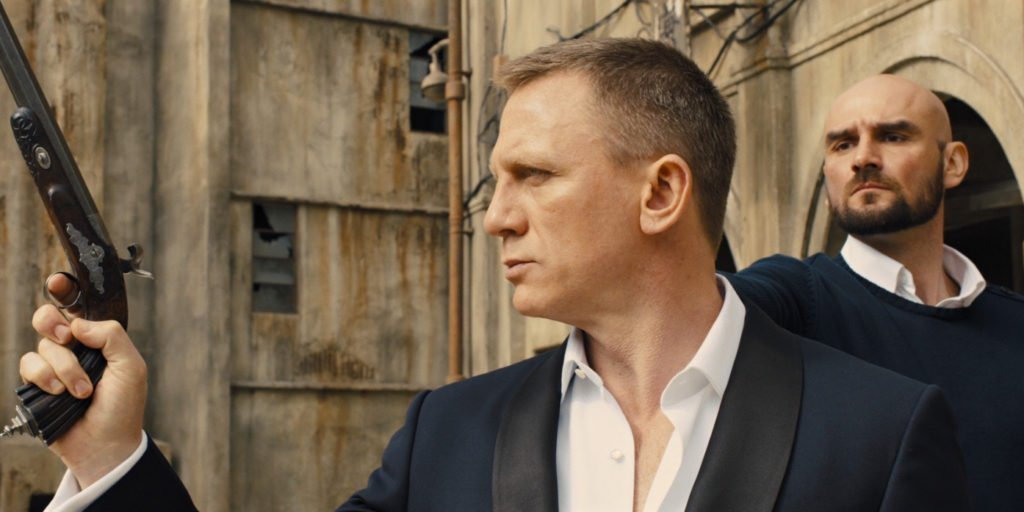 Roped sleeveheads on Daniel Craig's Tom Ford dinner jacket in Skyfall