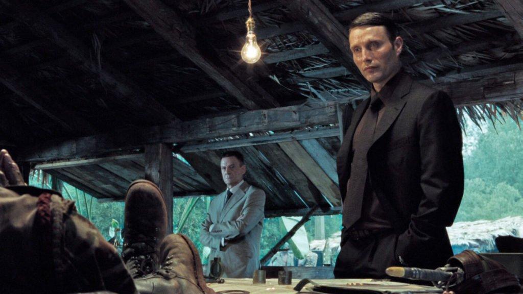 Le-Chiffre-Casino-Royale-Suit-2