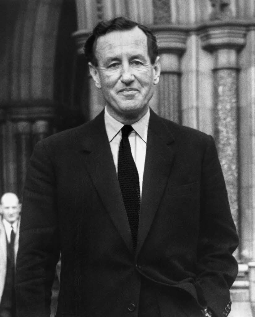 IF Ian Fleming dressed more like and wore a black knitted tie