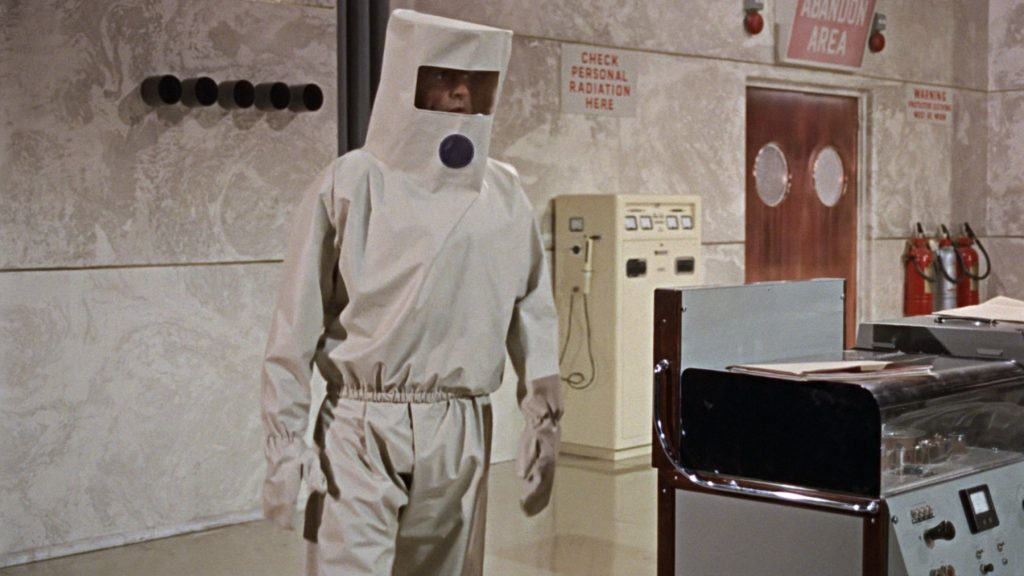 dr-no-radiation-suit-2-1024x576.jpg